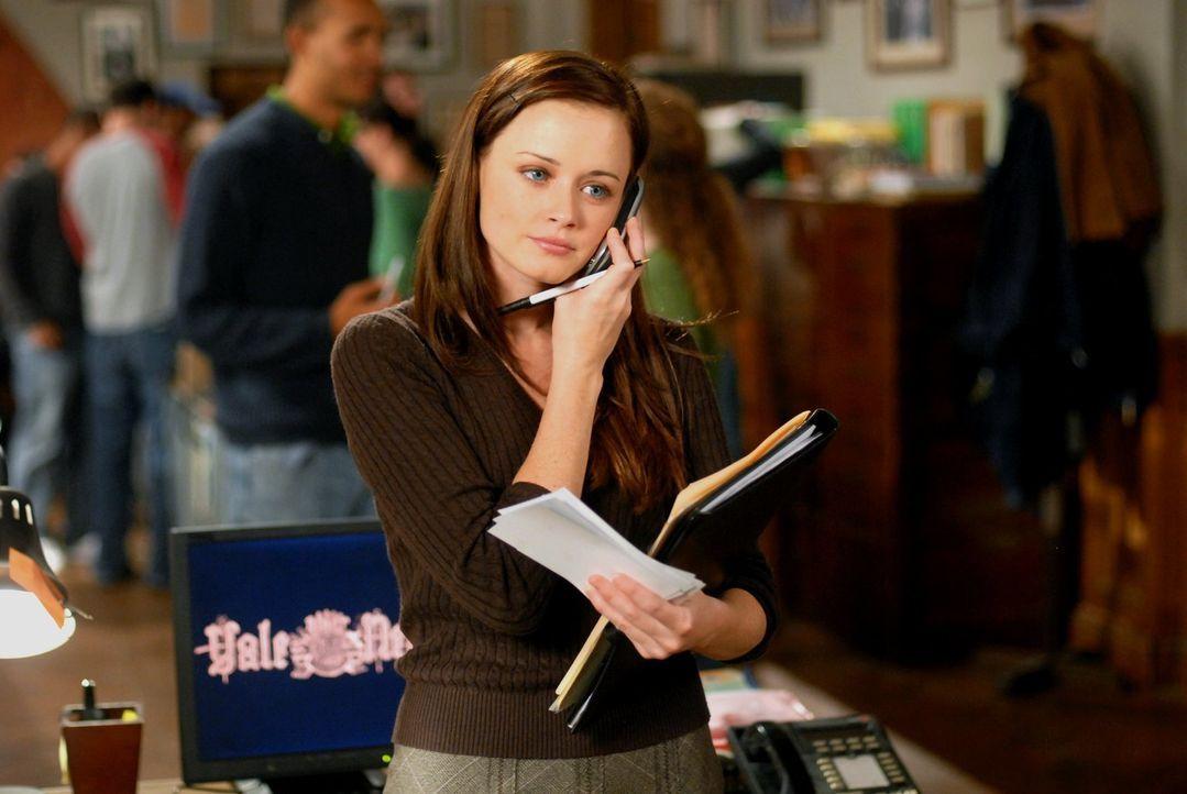 Rory (Alexis Bledel) wird in Yale von ihren Eltern besucht und ist davon sichtlich überfordert ... - Bildquelle: Warner Brothers