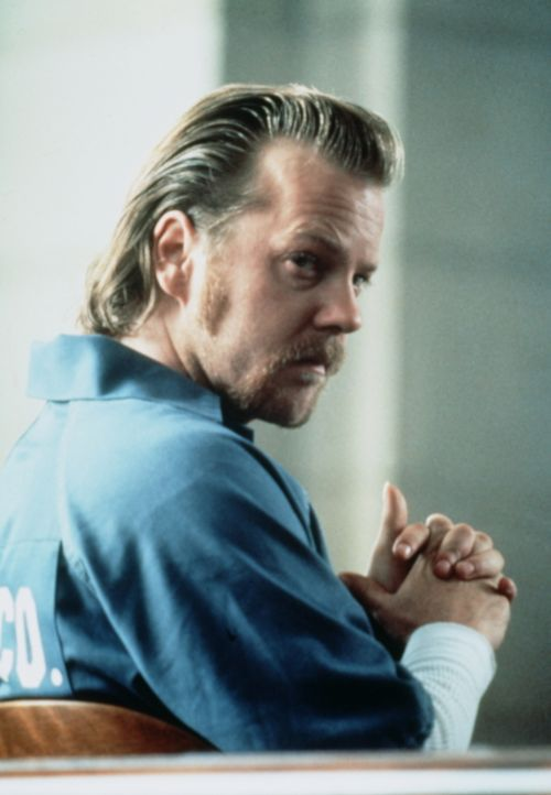 Der brutale Mörder Doob (Kiefer Sutherland) muss wegen eines gerichtlichen Formfehlers freigelassen werden. Seine Freude währt allerdings nur kurze... - Bildquelle: Paramount Pictures