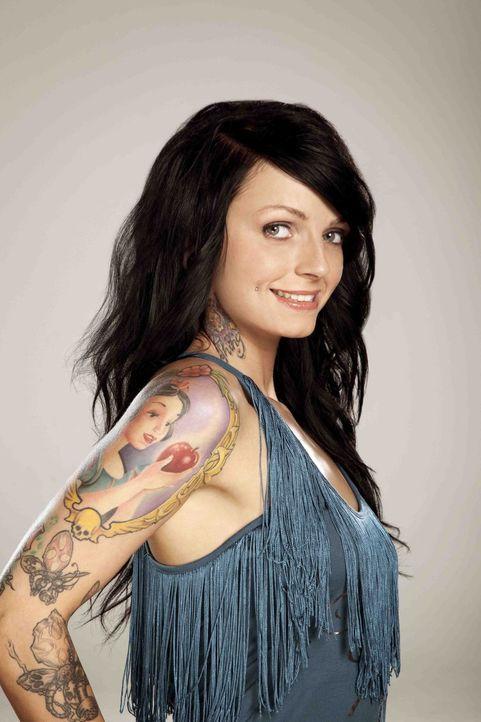 """In """"Cover Up - Wir retten dein Tattoo"""" sagt Ronja Block den Tattoo-Sünden den Kampf an ... - Bildquelle: Tom Wagner ProSieben"""