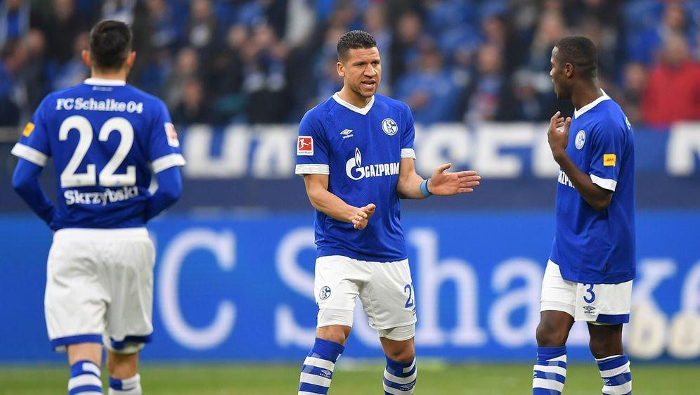 Huub Stevens ist zurück auf der Schalker Trainerbank. Am Sonnabend empfängt ... - Bildquelle: 2019 Getty Images