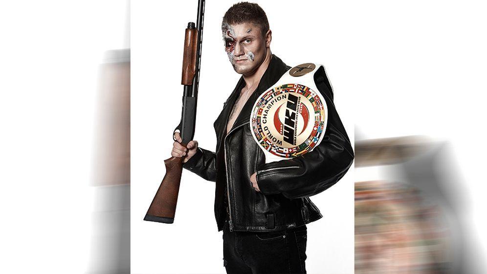 Michael Smolik kämpft im Rahmen derranFIGHTING Gala gegen Daniel Sam. - Bildquelle: Michael Wilfling