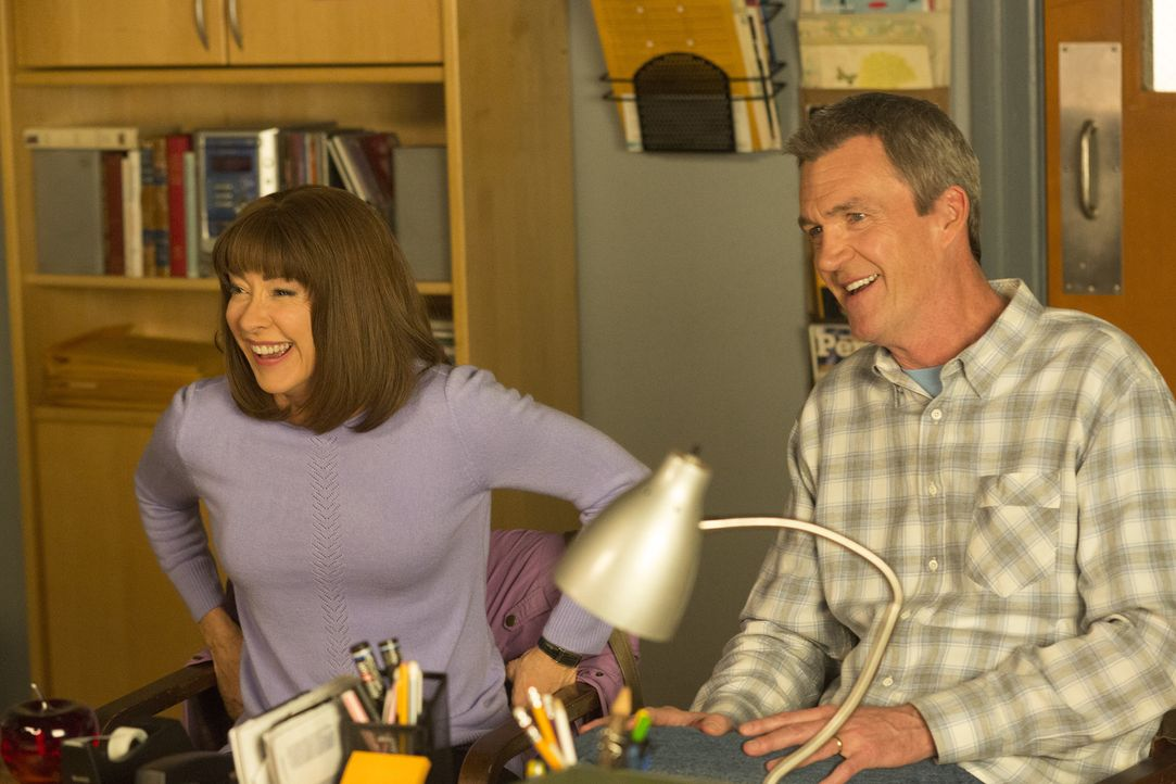 Frankie (Patricia Heaton, l.); Mike (Neil Flynn, r.) - Bildquelle: Michael Ansell 2017 American Broadcasting Companies, Inc. All rights reserved./Michael Ansell