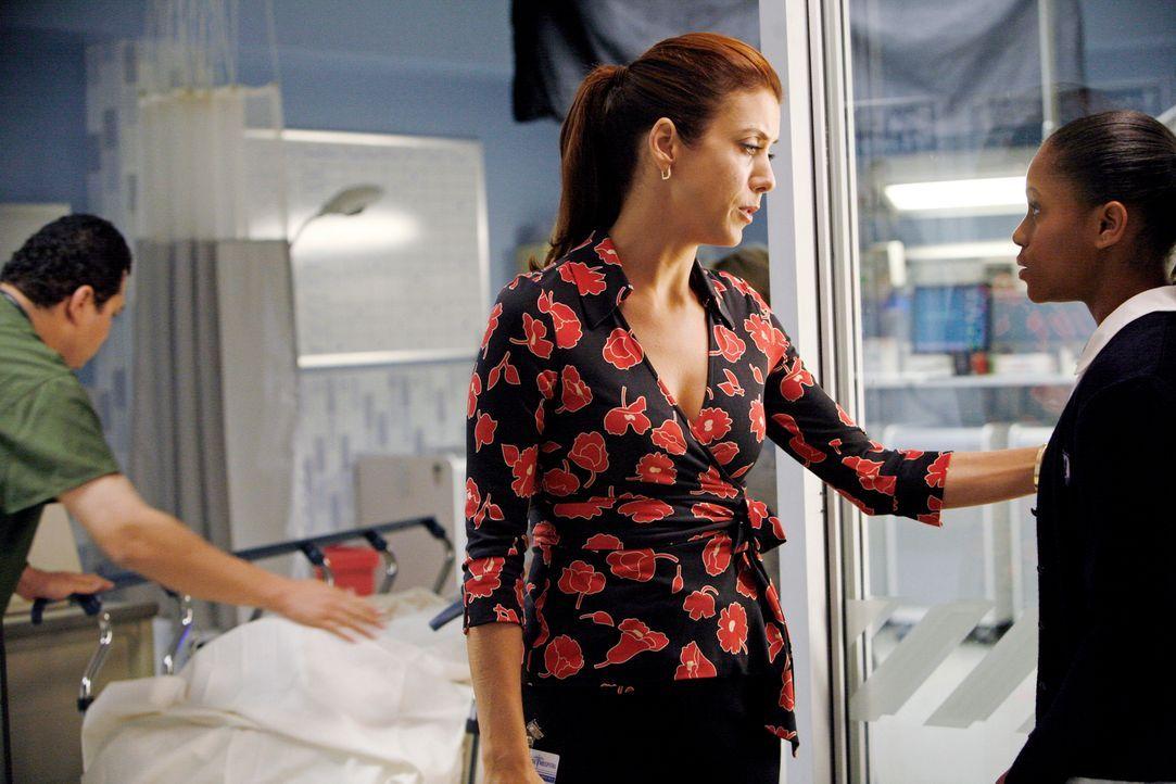 Addison (Kate Walsh, 2.v.r.) gerät in einen Gewissenskonflikt, als sie ihrer Freundin Naomi verschweigen muss, dass deren Tochter Maya (Geffri Maya... - Bildquelle: 2007 American Broadcasting Companies, Inc. All rights reserved.