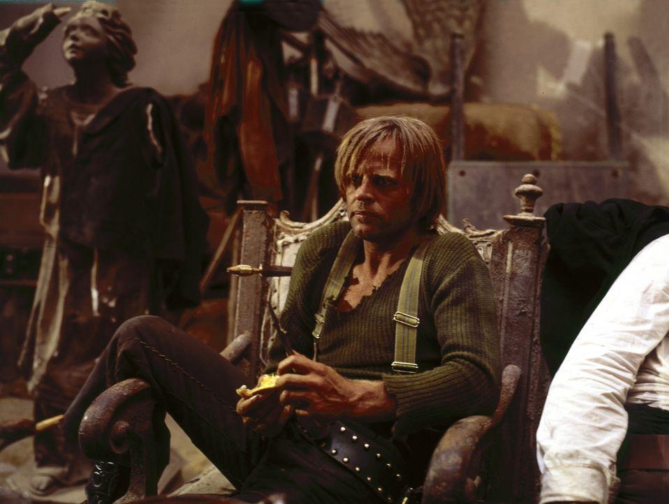 Der unberechenbare Outlaw Wild (Klaus Kinski, M.) ist der Bösewicht Indios Bande und meist für die 'schmutzigen' Aufgaben zuständig ... - Bildquelle: United Artists