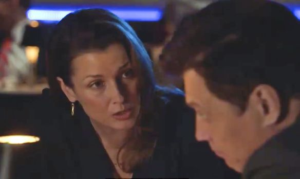 Blue Bloods - Erin (Bridget Moynahan, l.) ist verärgert, als sie erfährt, das...