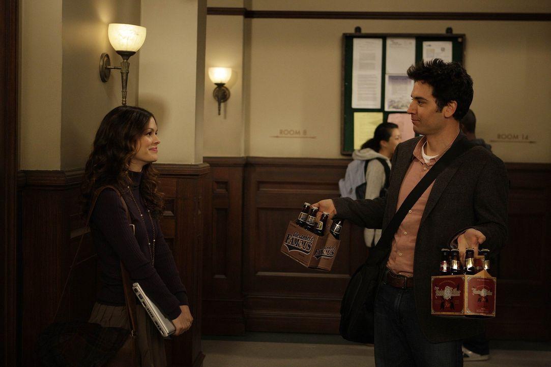 Ted (Josh Radnor, r.) lernt die Wirtschaftsstudentin Cindy (Rachel Bilson, l.) kennen. Er ist von ihr ganz angetan, doch das zweite Date verläuft f... - Bildquelle: 20th Century Fox International Television