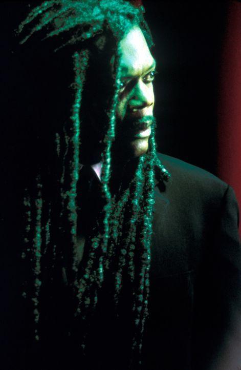 Am Valentinstag findet Romumls (Samuel L. Jackson) außerhalb seiner Höhle den gefrorenen Leichnam des jungen Ausreißers Scotty Gates in einem Bau... - Bildquelle: Francise Productions
