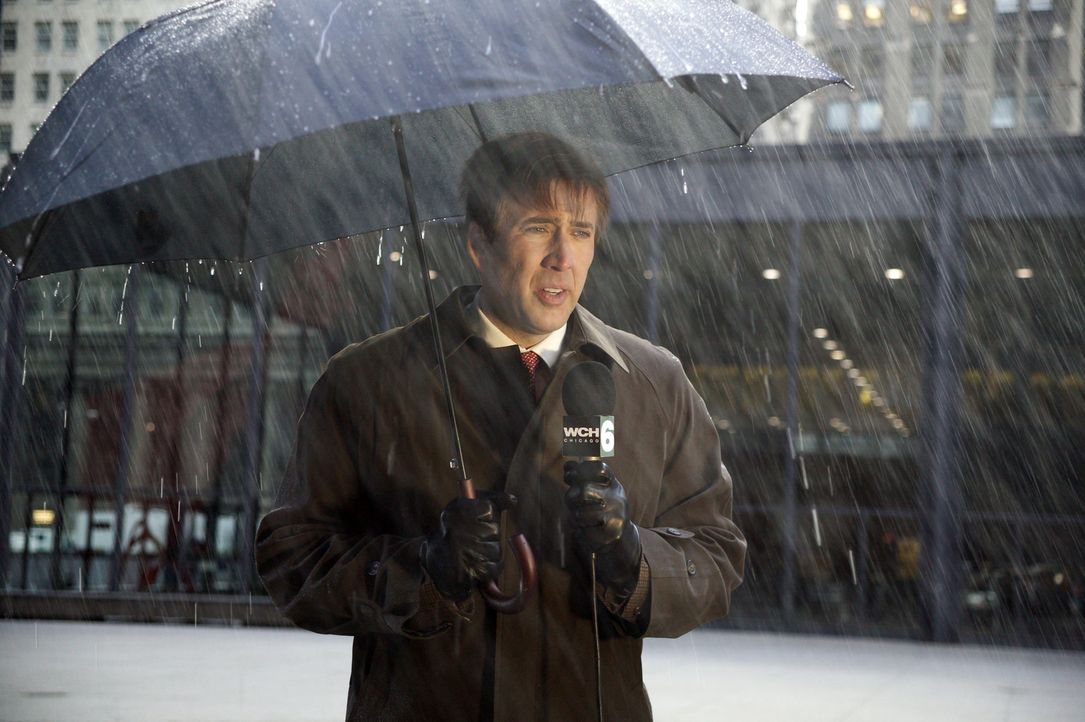 Wolken ziehen auf, es hagelt Probleme und stimmungsmäßig befindet sich Wetterfrosch David Spritz (Nicolas Cage) in einem tiefen Tief ... - Bildquelle: 2004 by PARAMOUNT PICTURES. All Rights Reserved.
