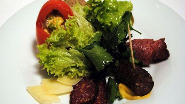 Vorspeise mit Straußenfleisch: Fleischsalat.