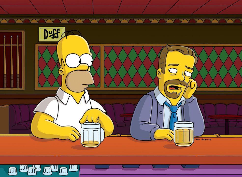 Aus Geldmangel lässt sich Homer (l.) auf eine Fernseh-Reality-Show ein und tauscht mit Charles (r.) Ehefrau ... - Bildquelle: und TM Twentieth Century Fox Film Corporation - Alle Rechte vorbehalten