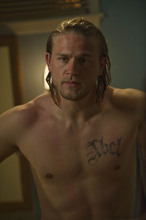 Jax (Charlie Hunnam) hat Verständnis für seine Freundin Tara, die das Leben in ständiger Angst um ihn kaum erträgt ... - Bildquelle: 2009 Twentieth Century Fox Film Corporation and Bluebush Productions, LLC. All rights reserved.