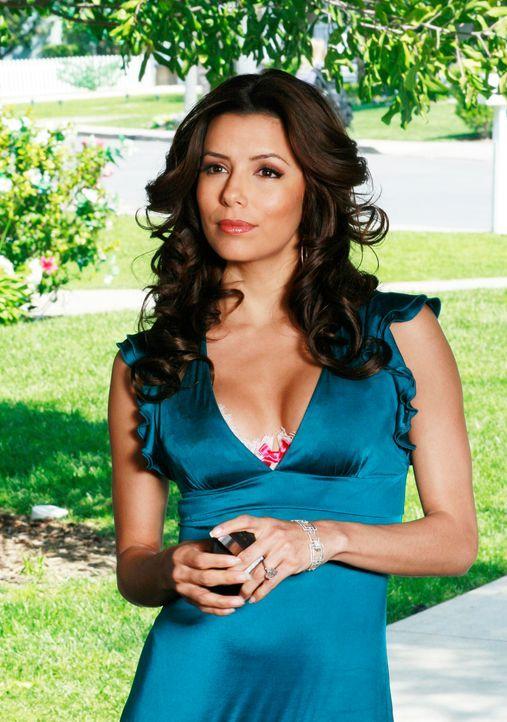 Gabrielle (Eva Longoria) hat den Verdacht, dass zwischen Carlos und Xiao-Mei was läuft ... - Bildquelle: 2005 Touchstone Television  All Rights Reserved
