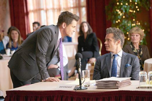 In einem inszenierten Prozess treten Dean (Rob Lowe, l.) und Timothy (Timothy...