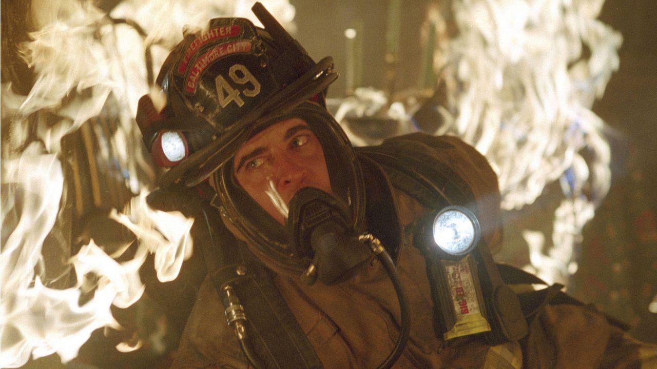 """John Travolta in """"Im Feuer"""" - Bildquelle: © Buena Vista International. All Rights Reserved"""