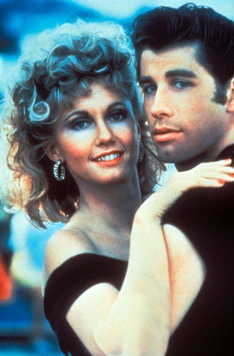 Sandy (Olivia Newton-John, l.) und Danny (John Travolta, r.) sind die ungekrönten Könige des Tanzparketts ... - Bildquelle: Paramount Pictures