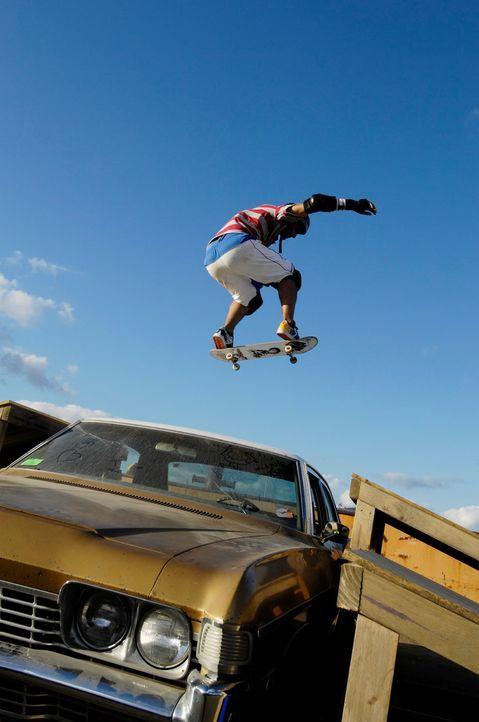 Der selbsternannte Gott der Dirtboardfahrer, Troy (Phil Brown), mag keine Wettkämpfe. Deshalb unternimmt er alles, um diesen zu sabotieren ... - Bildquelle: Disney. All rights reserved