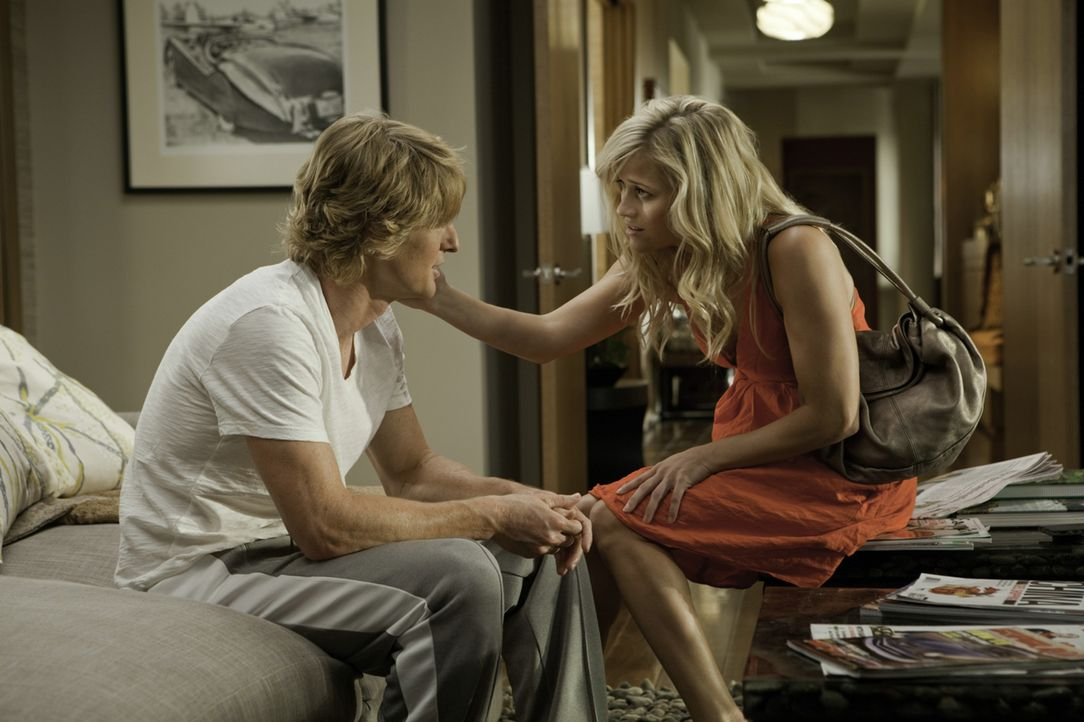 Woher weißt du, dass es Liebe ist? Lisa Jorgenson (Reese Witherspoon, r.) muss sich zwischen einem Baseballstar (Owen Wilson, l.) und einem gescheit... - Bildquelle: 2010 Columbia Pictures Industries, Inc. All Rights Reserved.