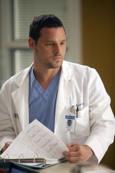 Während Cristina sich zwischen ihrer Karriere und ihrer Beziehung entscheiden muss, ist sich Alex (Justin Chambers) nicht sicher, ob er alles richt... - Bildquelle: ABC Studios