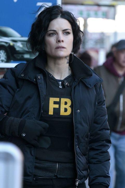 Am Geburtstag von Jane Doe alias Taylor Shaw (Jaimie Alexander) wird das Team des FBIs aufgrund eines Tattoos auf die Spur eines kriminellen Netzwer... - Bildquelle: Warner Brothers