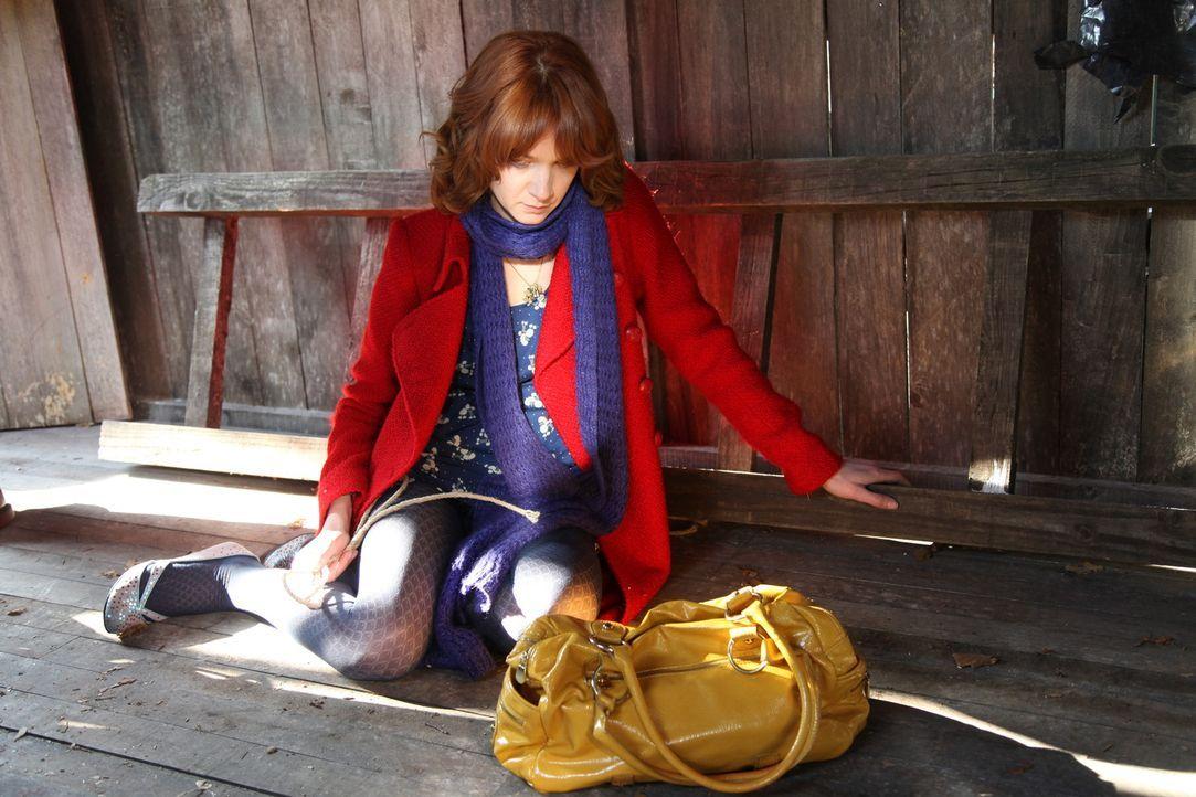 Als Chloé (Odile Vuillemin) im Leben des Opfers forscht, macht sie erstaunliche Entdeckungen ... - Bildquelle: Stanislas Marsil 2011 BEAUBOURG AUDIOVISUEL