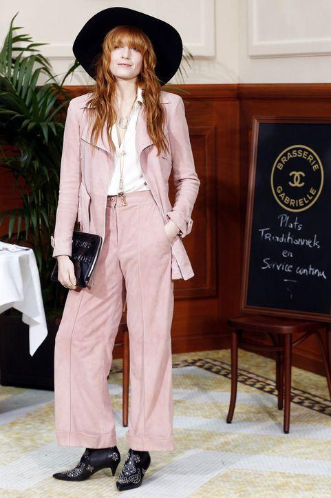 Paris-Fashion-Week-Florence-Welch-150310-AFP - Bildquelle: AFP