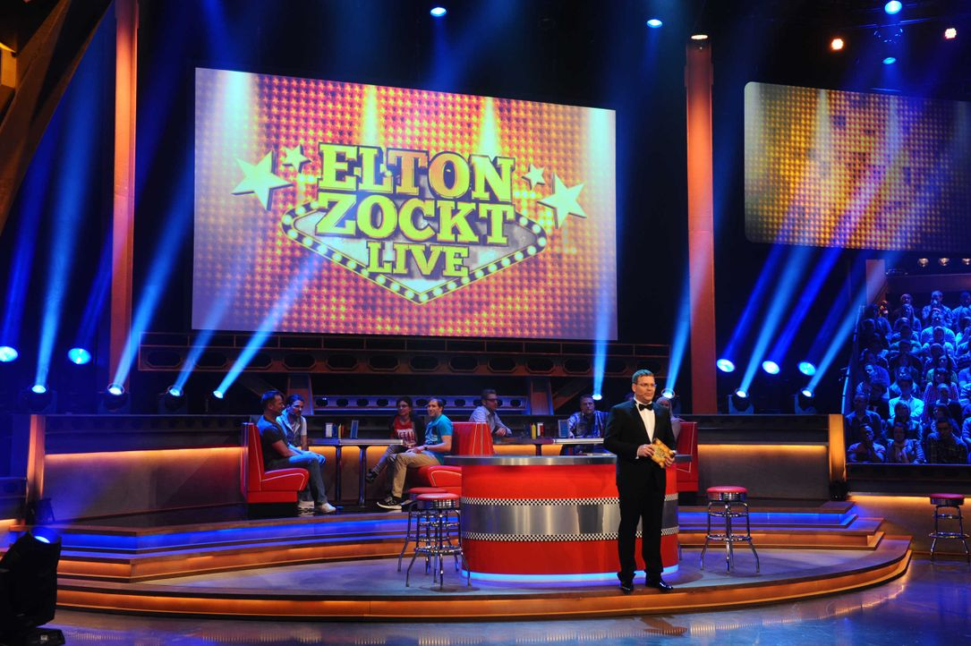 Elton-zockt-01 - Bildquelle: Foto: © ProSieben/Willi Weber