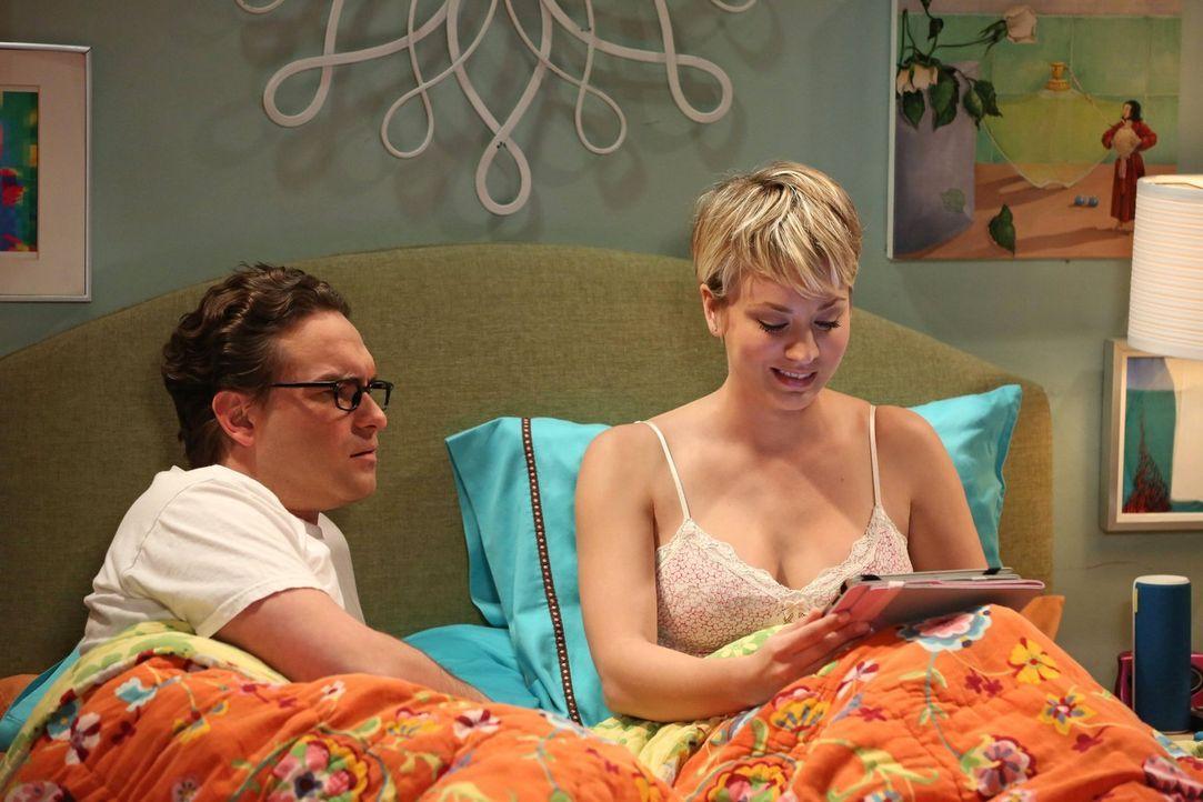 Sind glücklich miteinander: Penny (Kaley Cuoco, r.) und Leonard (Johnny Galecki, l.) ... - Bildquelle: Warner Bros. Television