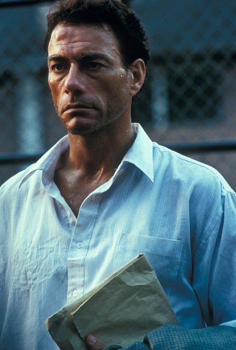 Ein unsagbares Martyrium nimmt seinen Lauf: Kyle LeBlanc (Jean-Claude Van Damme) ... - Bildquelle: NU IMAGE