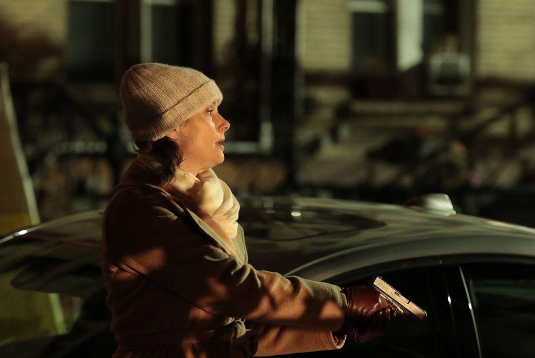 Es scheint, als sei Erin Reagan (Bridget Moynahan) dafür verantwortlich, dass ein Mann seit Jahren unschuldig hinter Gittern sitzt. Muss sie nun um... - Bildquelle: Giovanni Rufino 2017 CBS Broadcasting, Inc. All Rights Reserved