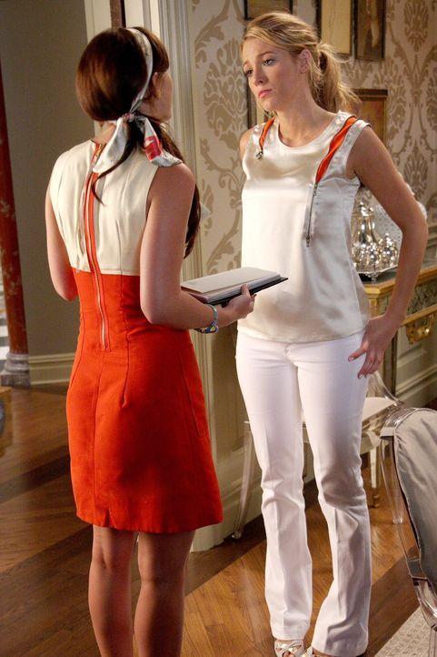 Blair (Leighton Meester, l.) braucht Serenas (Blake Lively, r.) Hilfe: Sie will eine Party veranstalten, weiß aber noch nicht so recht wie ... - Bildquelle: Warner Brothers