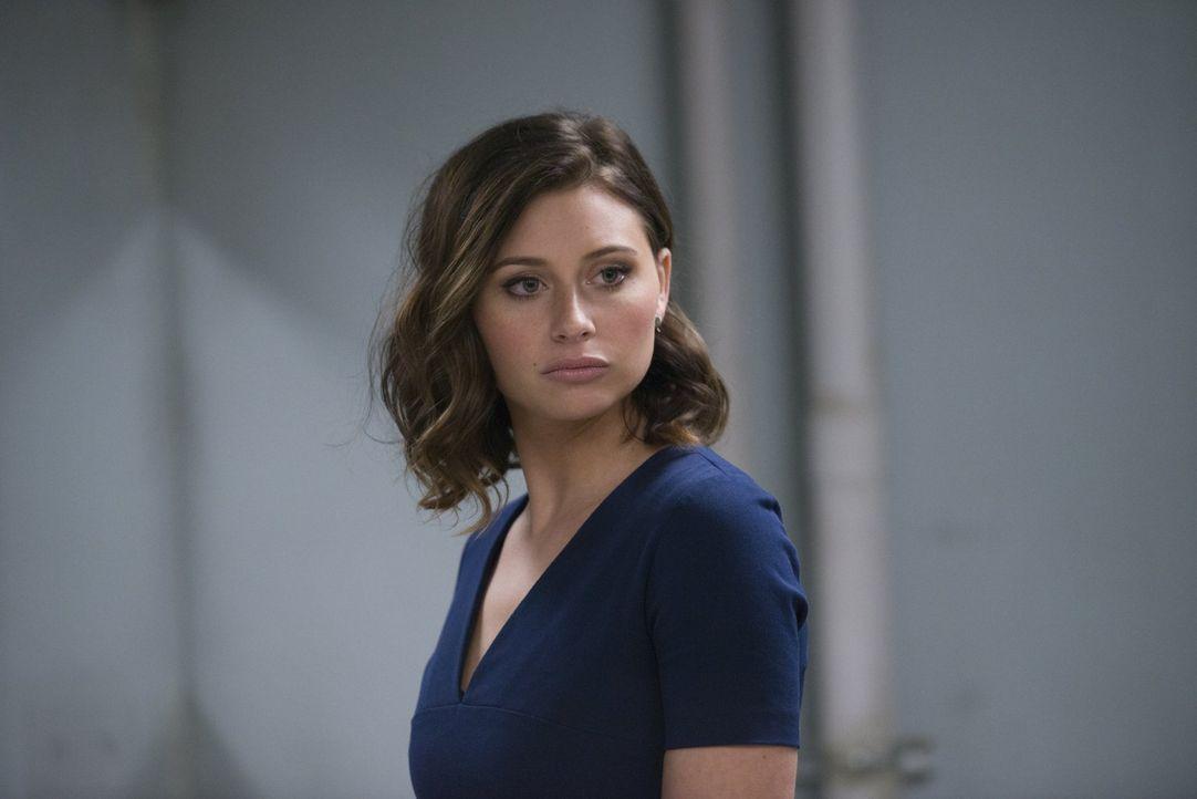 Peyton (Aly Michalka) versucht Major zu helfen und ist geschockt, als er nach seinem Gefängnisaufenthalt vor ihr steht ... - Bildquelle: Warner Brothers