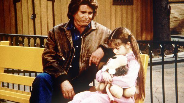 Die kleine Sarah Barrett (Morgan Nagler, r.) erzählt Jonathan (Michael Landon...