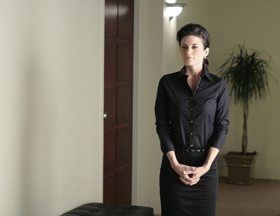 Sie versucht alles, um Stephen davon zu überzeugen, bei Madacorp zu bleiben. Doch die Erfolgsaussichten von Emily (Leah Cairns) sind gering ... - Bildquelle: TOUCHSTONE TELEVISION