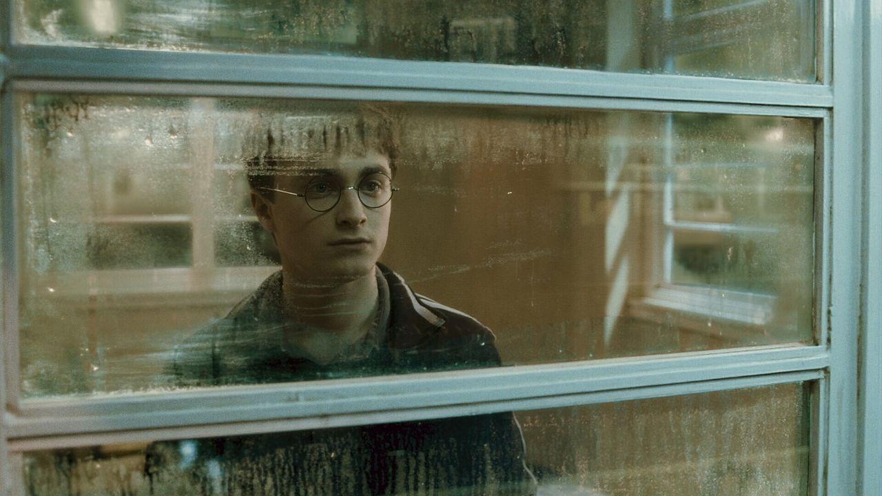 Ist nirgendwo sicher vor den bösen Mächten, die zum letzten Gefecht aufrufen: Harry (Daniel Radcliffe) ... - Bildquelle: Warner Brothers