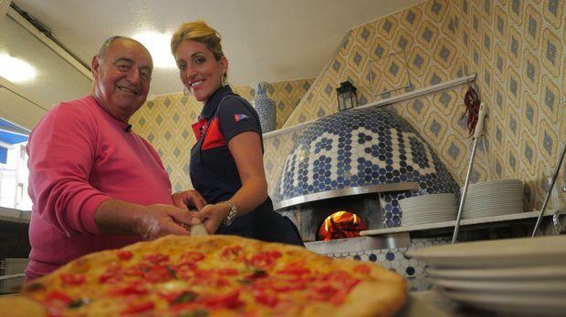 Mario Gargiulo (l.) eröffnete 1966 die erste Pizzeria Münchens. Mittlerweile...