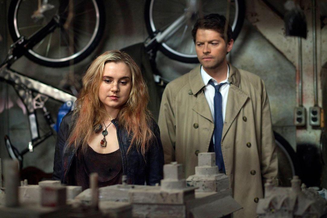 Die Zusammenarbeit von Dämon und Engel kann nicht lange gutgehen. Wer wird am Ende übrigbleiben - Meg (Rachel Miner, l.) oder Cas (Misha Collins, r.... - Bildquelle: Warner Bros. Television
