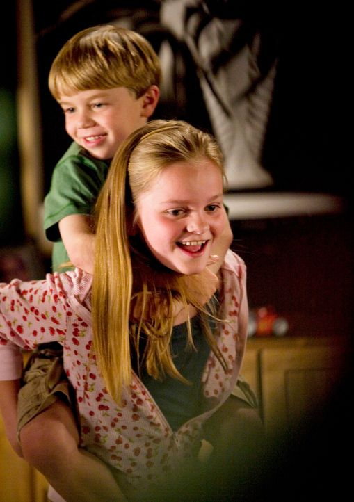 Ausgefuchste Kinder: Cooper (Maxwell Perry Cotton, hinten) und Paige (Kerris Lilla Dorsey, vorne) wissen, wie man mit geheimen Informationen umzugeh... - Bildquelle: 2008 ABC INC.