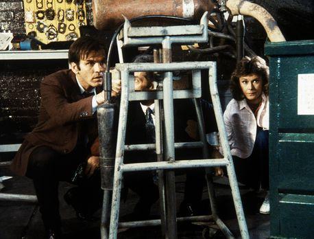 Agentin mit Herz - Amanda (Kate Jackson, r.) ist in die Hände des Gangsters B...