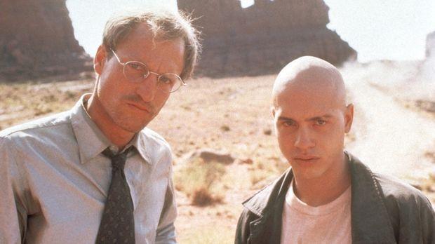 Dr. Michael Reynolds (Woody Harrelson, l.) ist ein karrierefixierter Arzt. Do...
