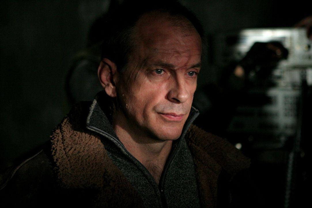 Ein Delta-Team soll aus Afghanistan den abtrünnigen Wissenschaftler Dr. Benton Walsh (Tomas Arana) entführen. Dieser wird jedoch von tschetschenis... - Bildquelle: CPT Holdings, Inc. All Rights Reserved. (Sony Pictures Television International)