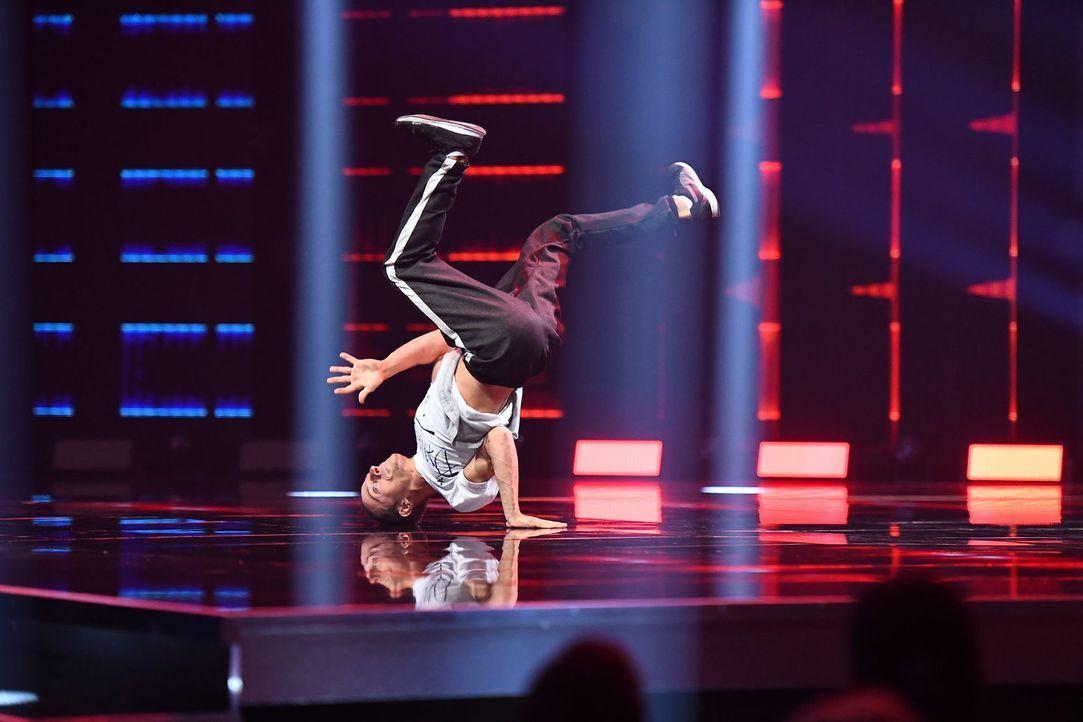 """Bei """"Masters of Dance"""" treten Tanz-Talente in unterschiedlichen Stilen und im direkten Vergleich gegeneinander an. Das Ziel: Mindestens einen der vi... - Bildquelle: Willi Weber ProSieben/Willi Weber"""