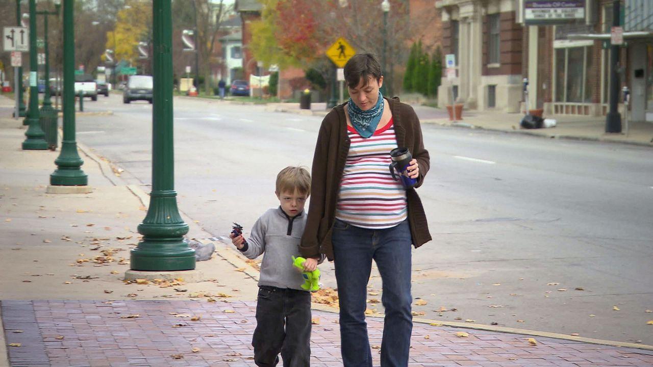 Lindsay ist schwanger mit Zwillingen. Ihr größter Wunsch ist es, die Kinder im Hause der Adoptiveltern zur Welt zu bringen ... - Bildquelle: Universal Pictures