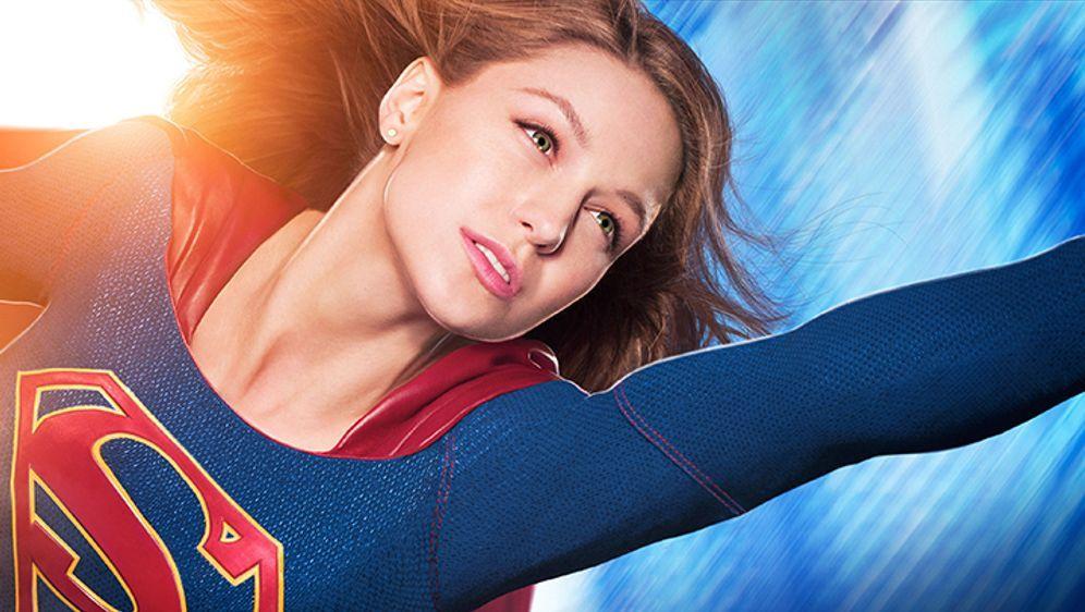 Vom schüchternen Mauerblümchen zur furchtlosen Superheldin! - Bildquelle: 2015 Warner Bros. Entertainment, Inc.