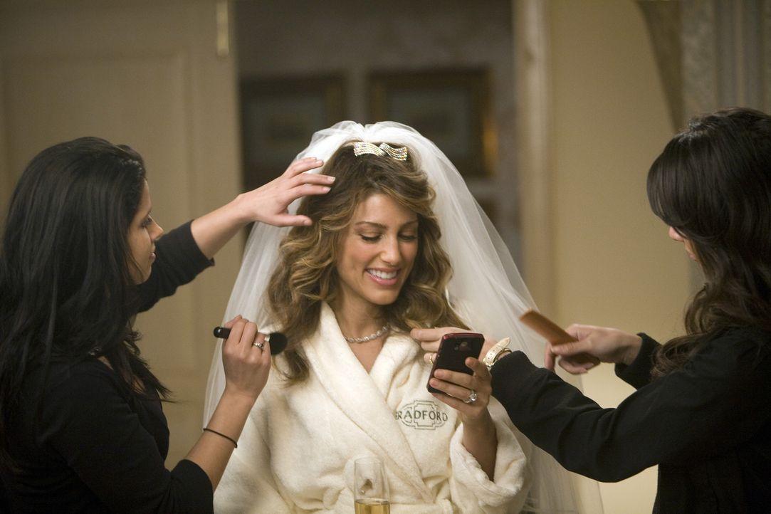 Der große Augenblick rückt immer näher und noch ahnt Andrea Belladonna (Jennifer Esposito, M.) nicht, was bei so einer Hochzeit alles schief gehe... - Bildquelle: 2008 American Broadcasting Companies, Inc. All rights reserved.