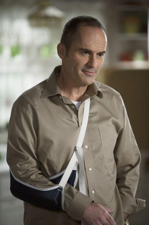 George (Mark Derwin) hat die Garage als Zimmer für Ashley zurechtgemacht und die Überraschung ist ein voller Erfolg ...