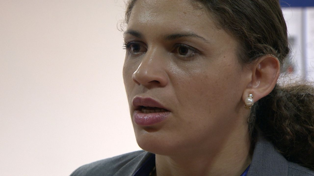 Nach 18 Jahren kehrt die erfolgreiche PR-Agentin Melissa Meisner zum ersten Mal in ihren Heimatort zurück. In einem Tagungshotel will die 37-Jähri... - Bildquelle: SAT.1