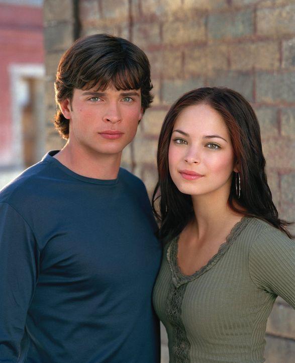 (4. Staffel) - Bekommt ihre Liebe endlich eine Chance: Clark (Tom Welling, l.) und Lana (Kristin Kreuk, r.) ... - Bildquelle: Warner Bros.