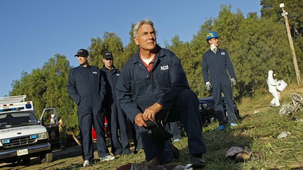 Noch steht das Team um Gibbs vor einem Rätsel: (v.l.n.r.) Tony (Michael Weath...
