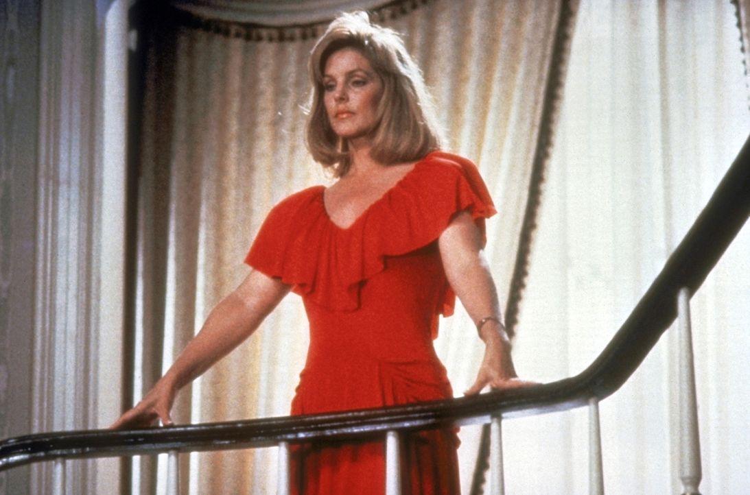 Jane (Priscilla Presley) hat ein Auge auf den Polizisten Frank geworfen. - Bildquelle: Paramount Pictures