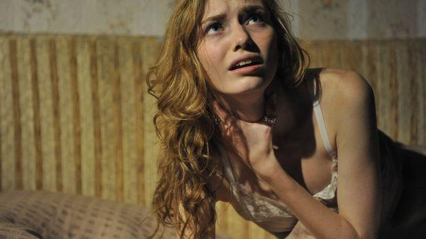 Kann Kirsten (Eleanor Tomlinson) dem Jahrhunderte alten Fluch der Hexe Hepzib...